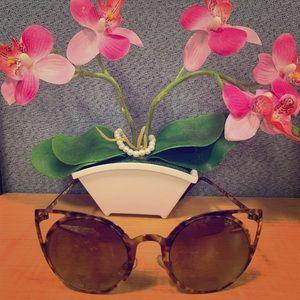 Accessories - 😍 Cat Eye Sunglasses 🌸